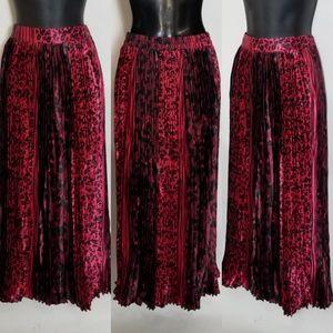 Maxi Pleated Leopard Print Skirt